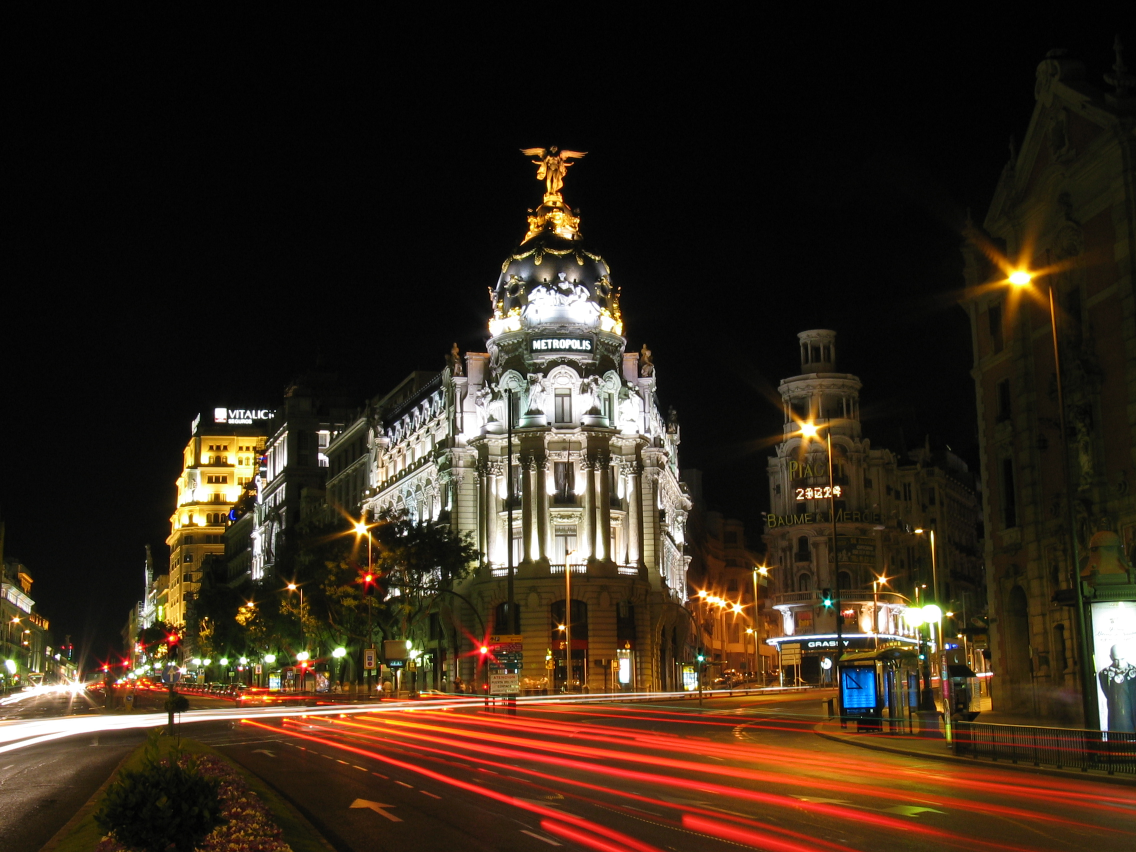 En Madrid las noches NO son para Dormir. | Destinia Magazine | Tu blog ...